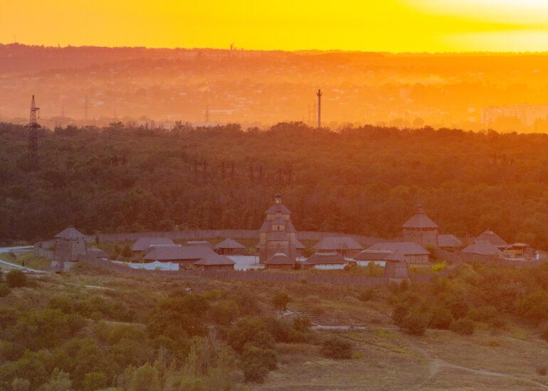 Січ на заході Сонця
