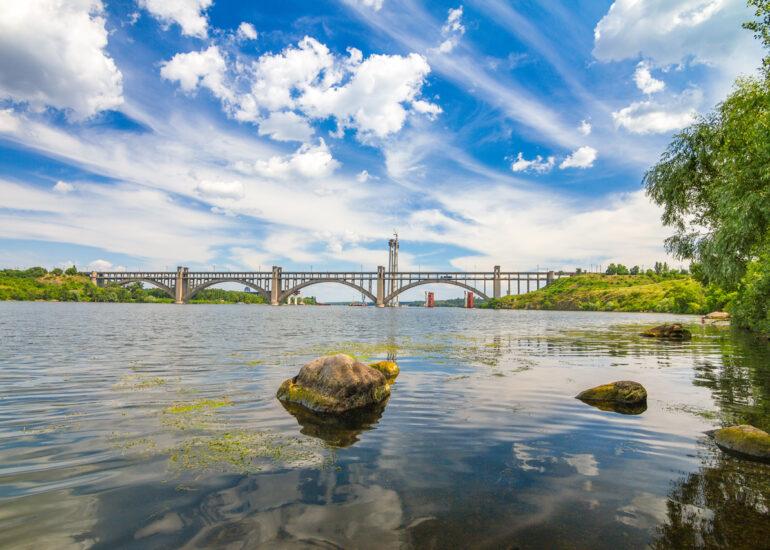 Дніпро влітку