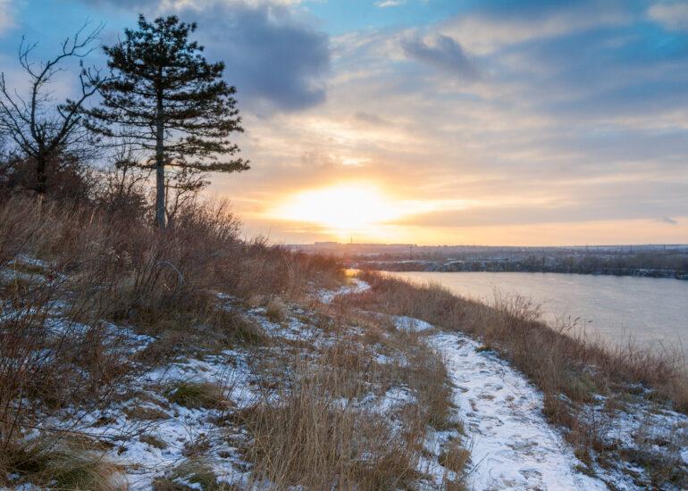 Морозний захід Сонця