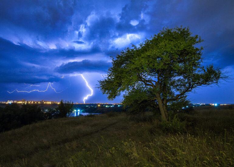 Нічний шторм