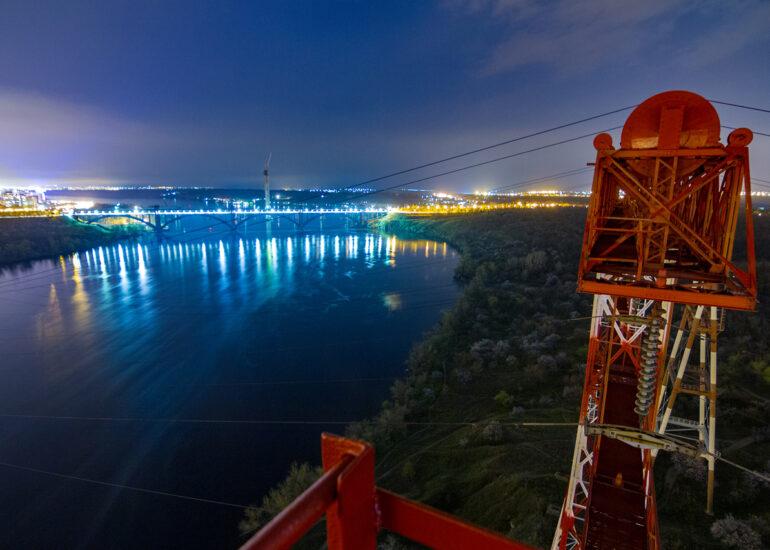 100 метрів над Дніпром