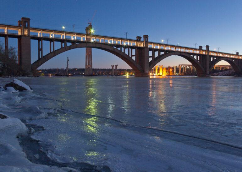 Крижаний Дніпро