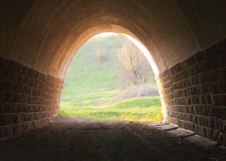 Вечір в тунелі
